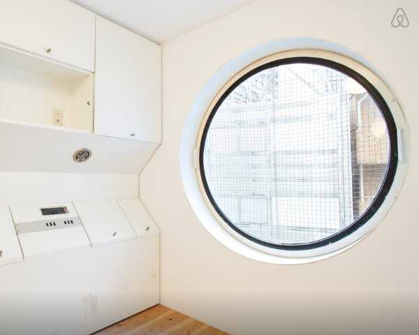 Nakagin Capsule Tower Airbnb 4