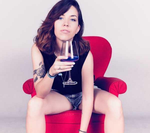 blue_wine_10
